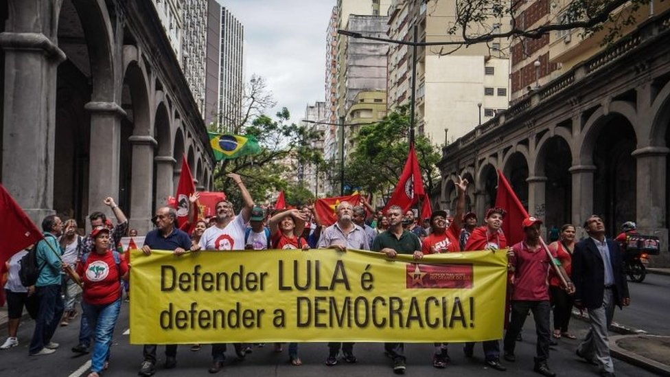 Manifestaciones en Porto Alegre de seguidores de Lula.