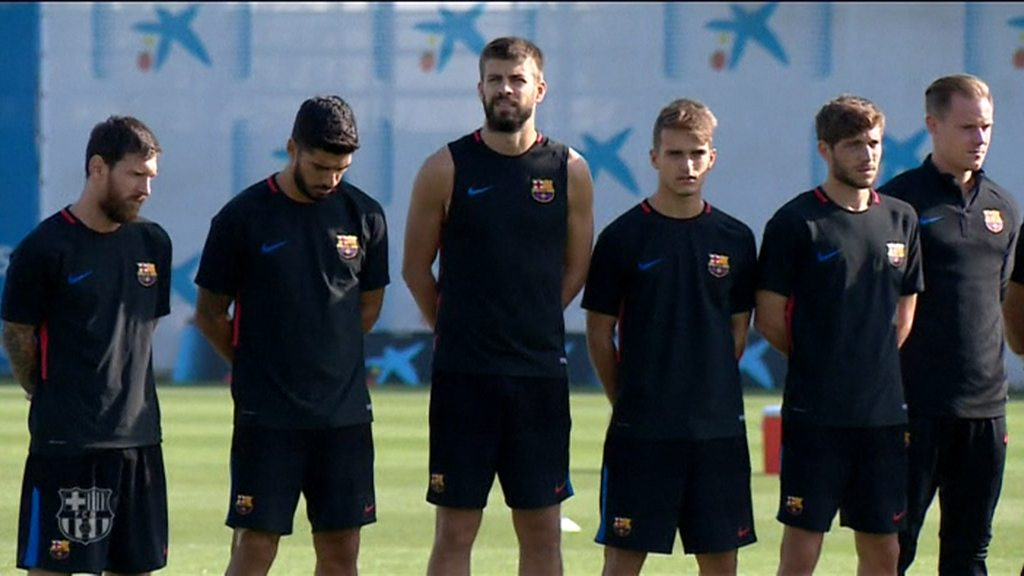Barcelona players pay tribute to victims of attack