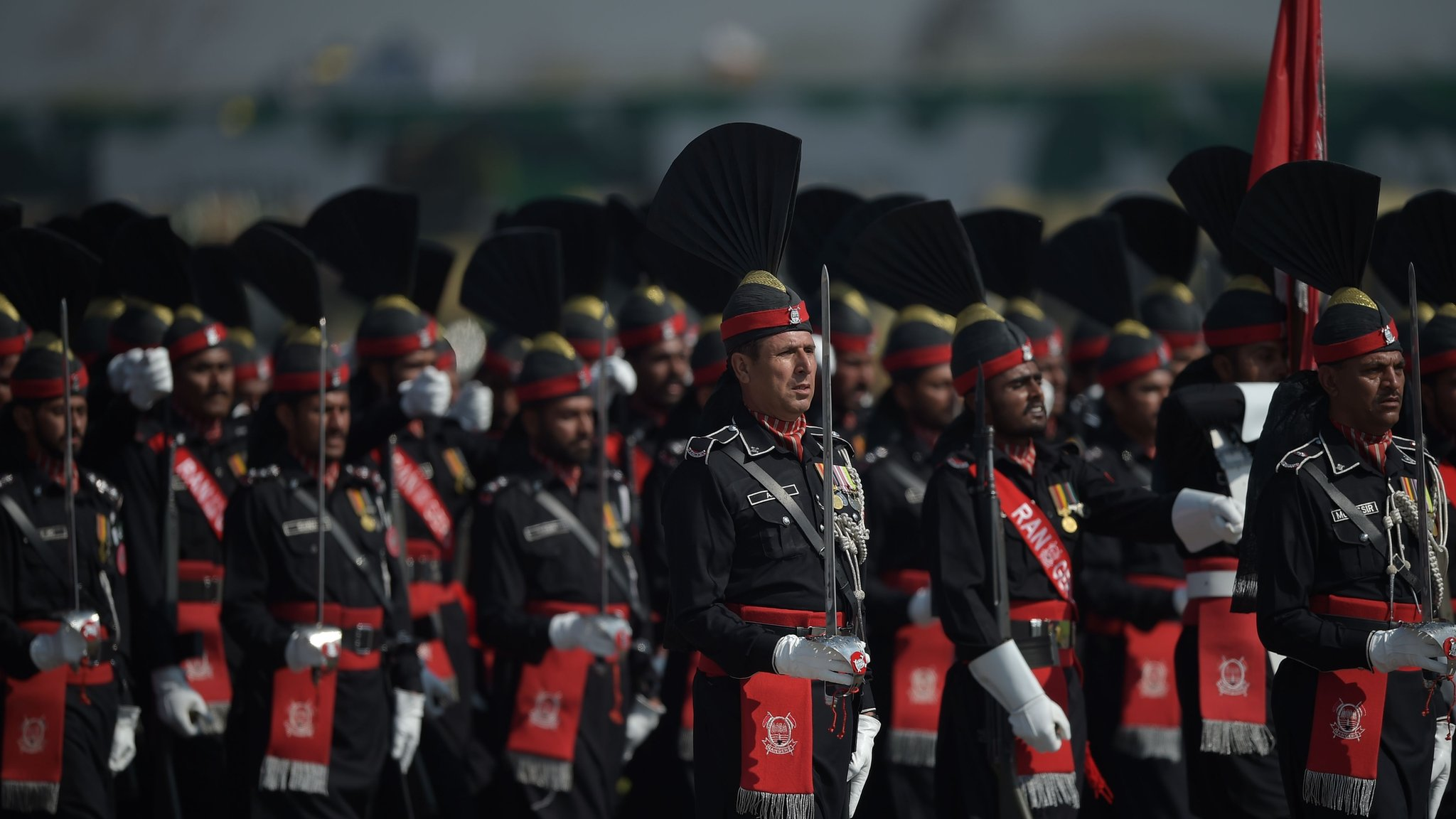 The political influence of Pakistan's powerful army   BBC