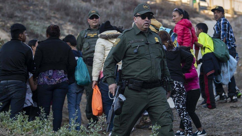 Migrant caravan: Girl dies in custody after crossing US-Mexico border
