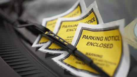 'Robot lawyer' fights parking tickets