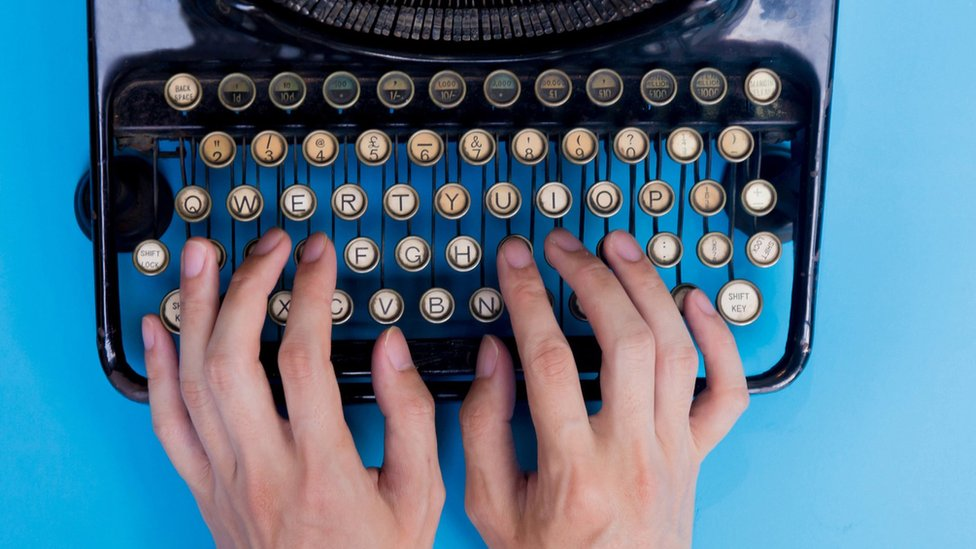 How did the qwerty keyboard become so popular?