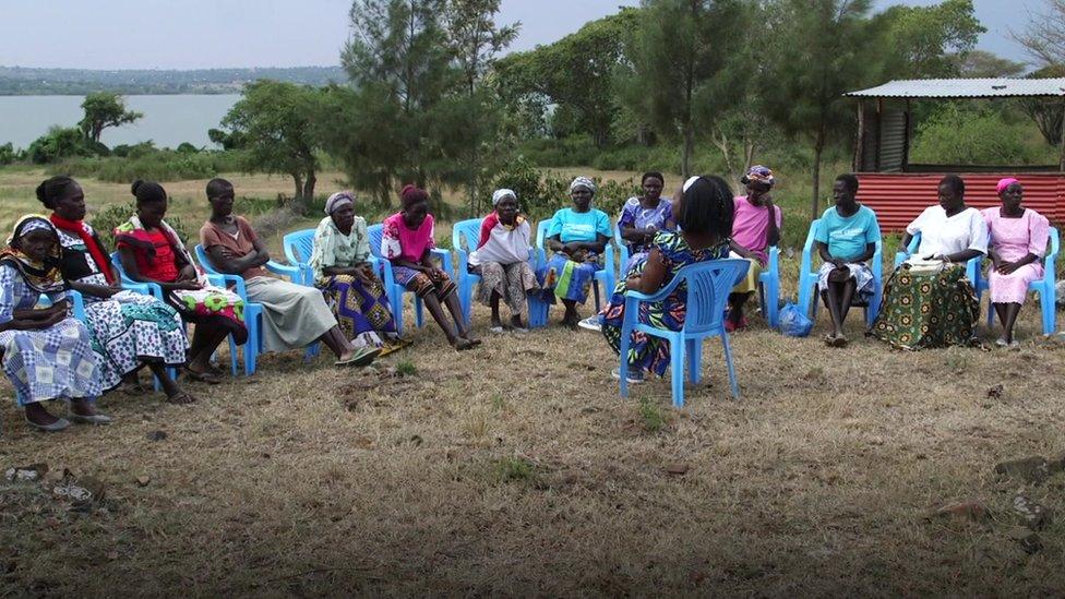 Mujeres en grupo