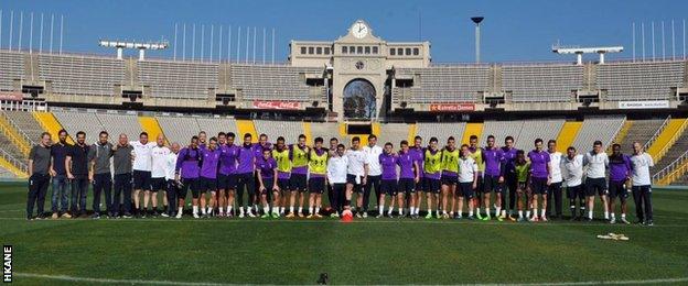 Tottenham squad in Spain