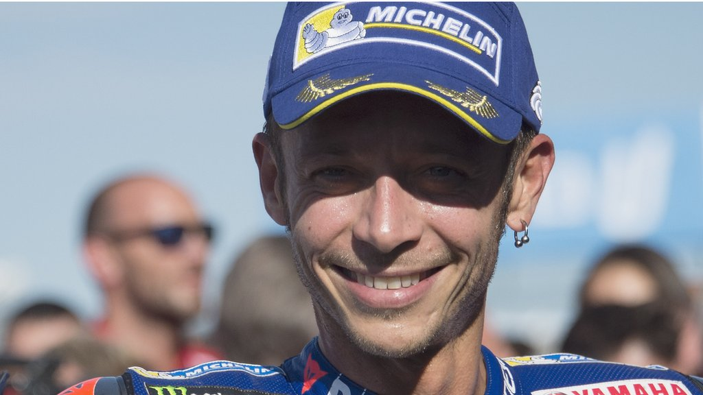 Rossi to try to race three weeks after double leg fracture