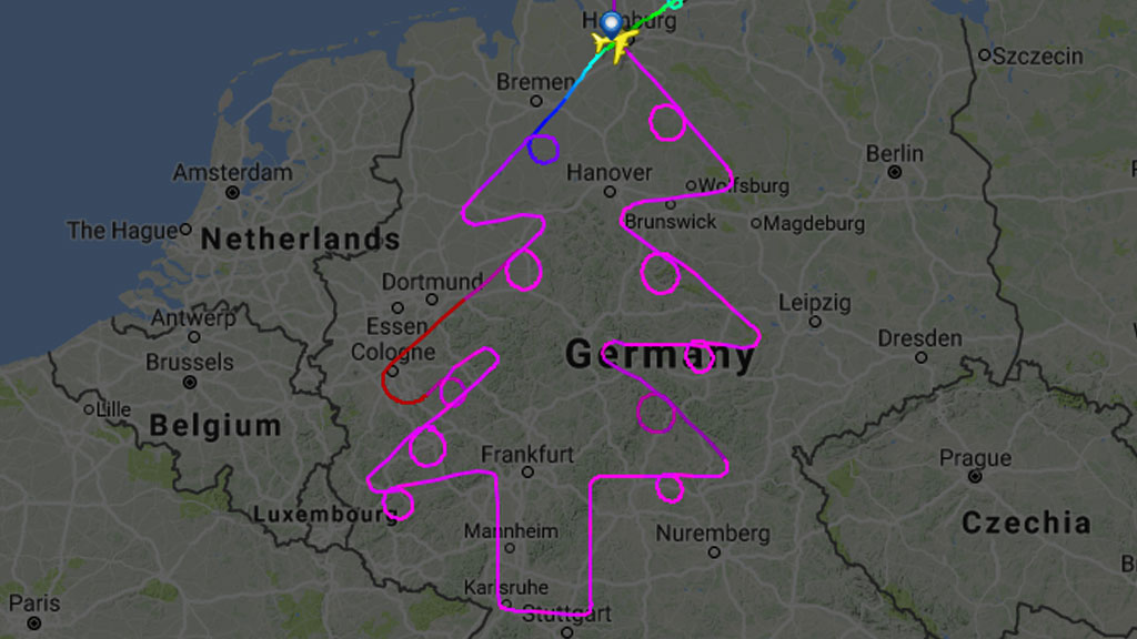 _99209235_xmas_tree_flighttradar24.jpg