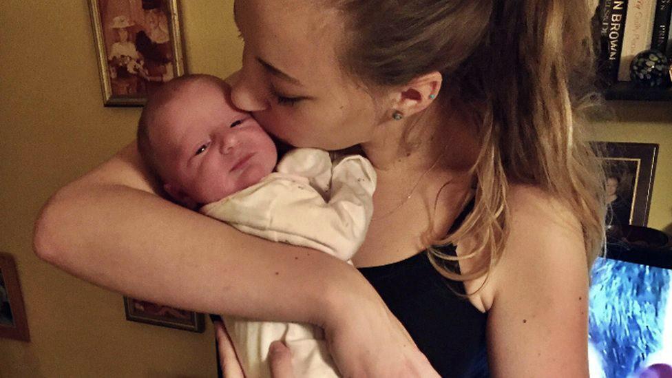 Qué Es El Embarazo Críptico No Me Di Cuenta De Que Estaba Embarazada Hasta Que Parí A Mi Bebé Bbc News Mundo