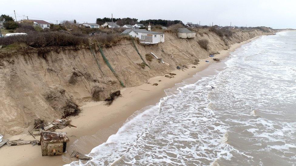Hemsby man told to stop protecting cliff-top home