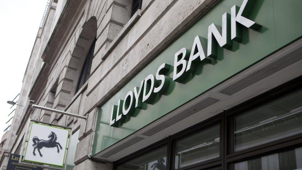 Lloyds Bank shareholders 'mugged', claim lawyers