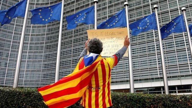 Франція не визнає незалежність Каталонії