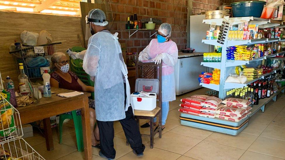 Dr Silva carries out tests on Odeli de Almeida
