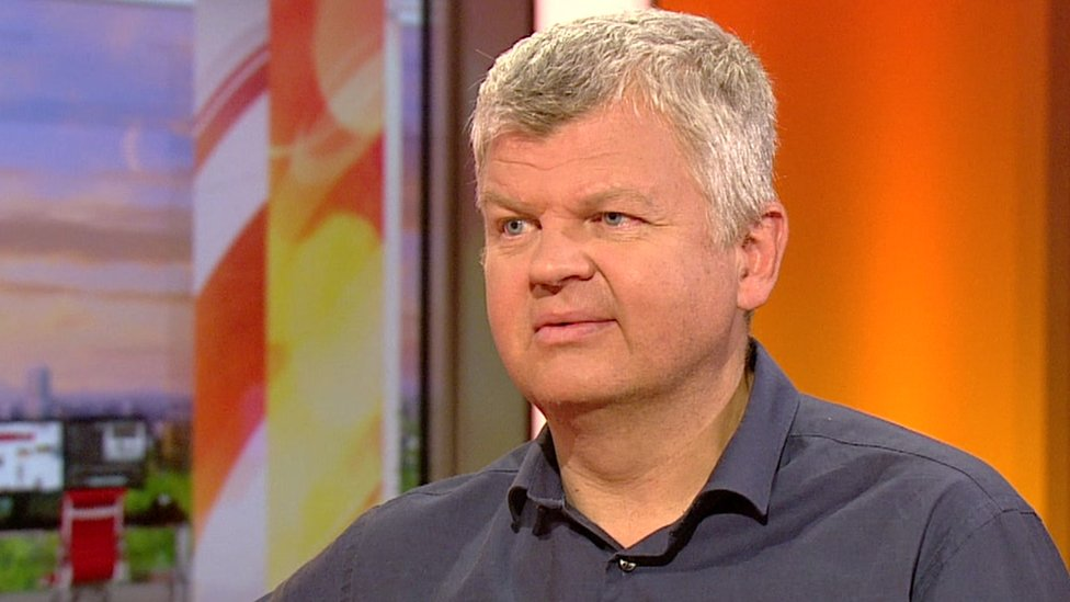 Adrian Chiles 'horrified' at drinking 100 alcohol units a week