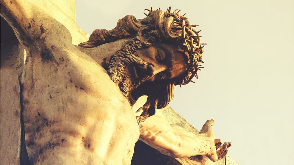 En su mensaje de Pascua, Francisco cargó contra el