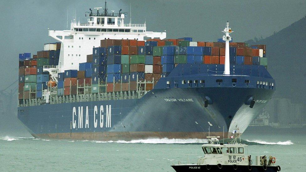 Barco con exportaciones chinas.