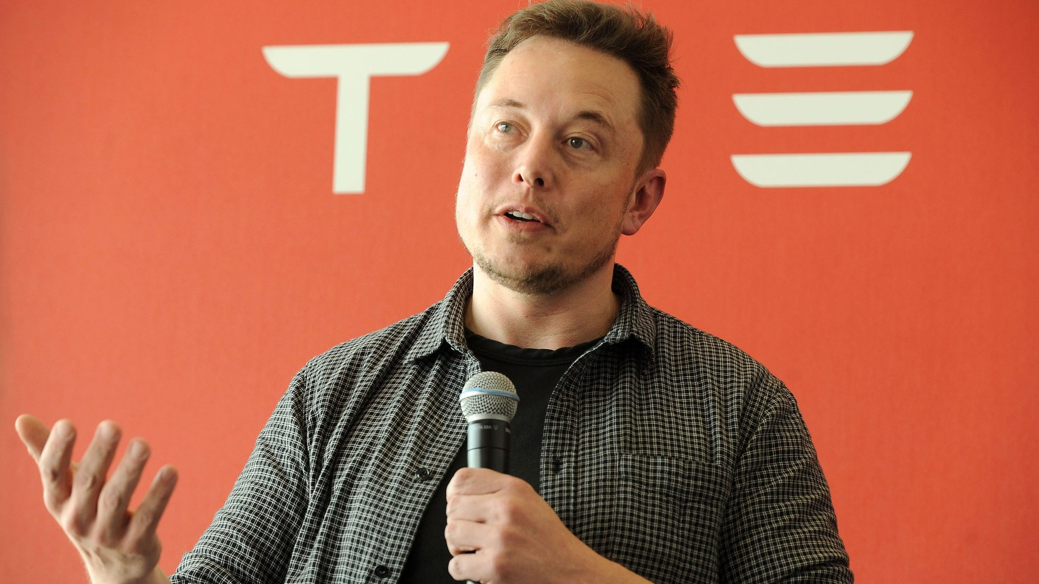 Tesla investors spooked by revelations in emotional interview