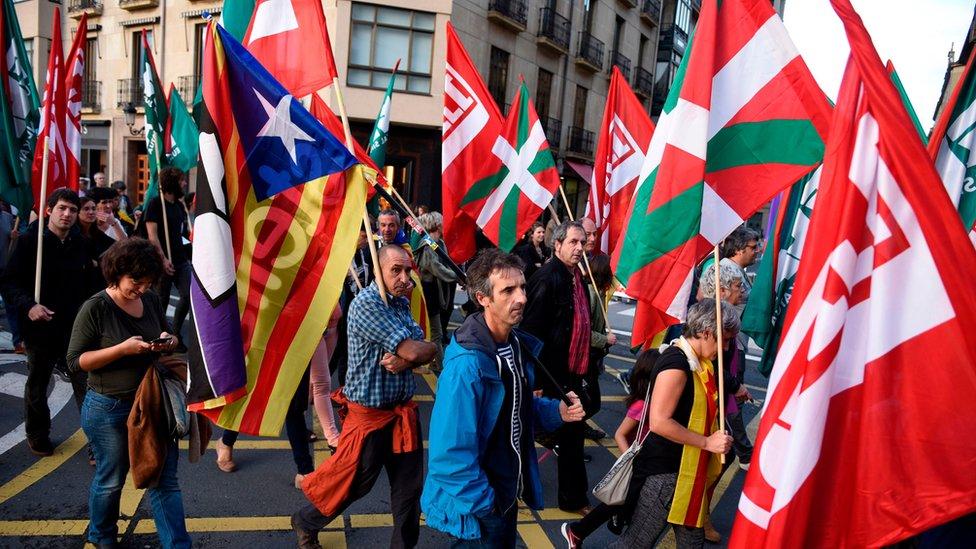 Protesta a favor de la independencia de Cataluña en la ciudad vasca de San Sebastián.