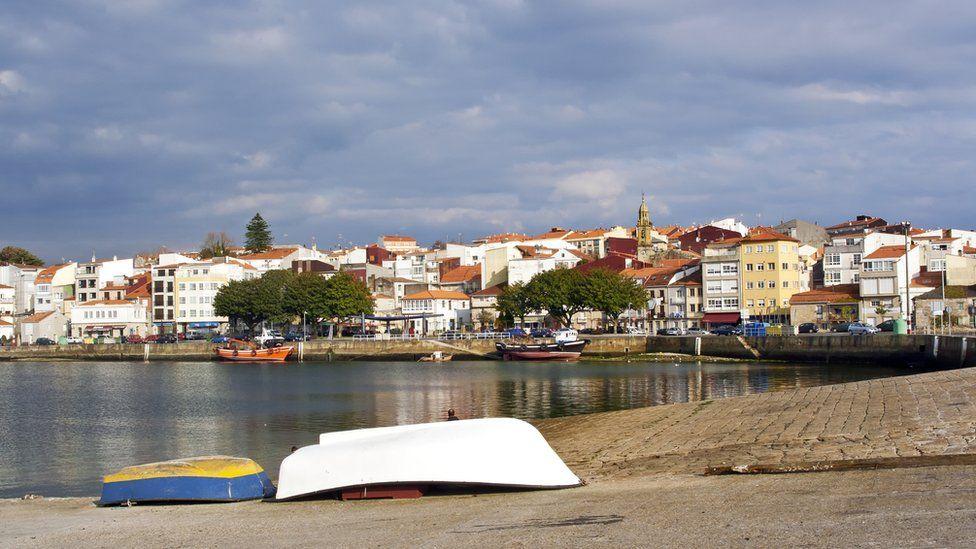Vista del pueblo de Rianxo.