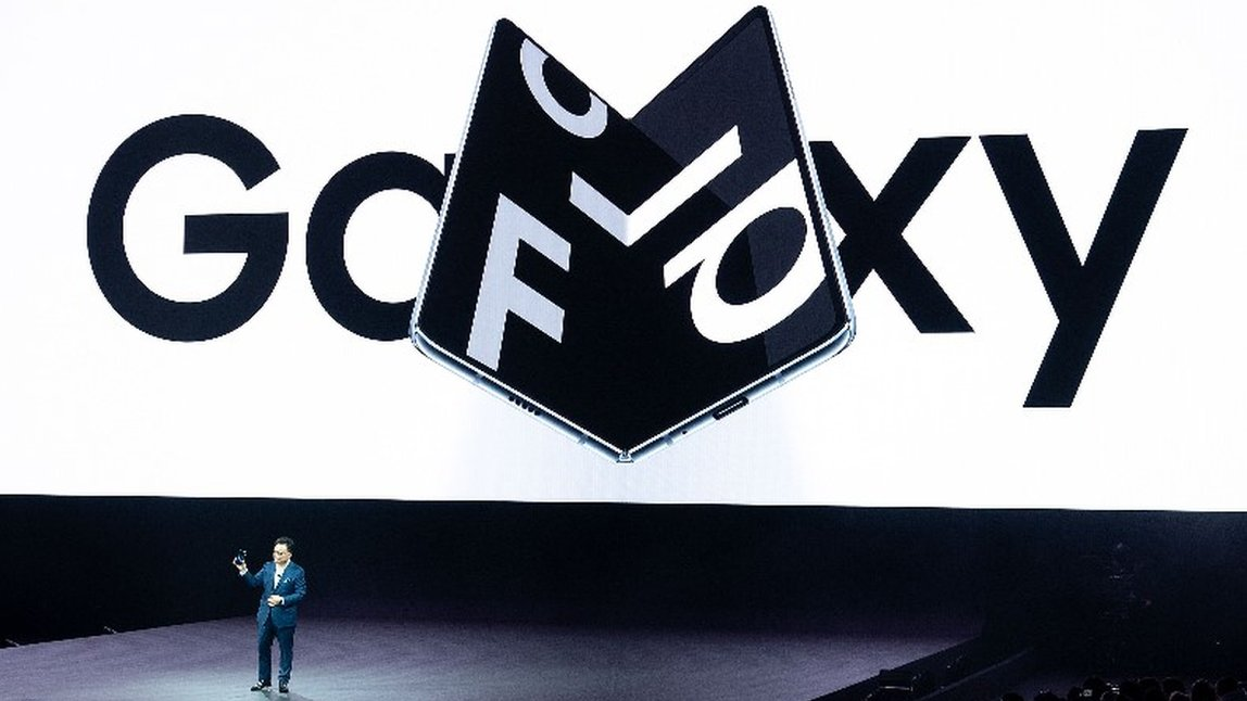 Samsung Galaxy Fold: The internet reacts