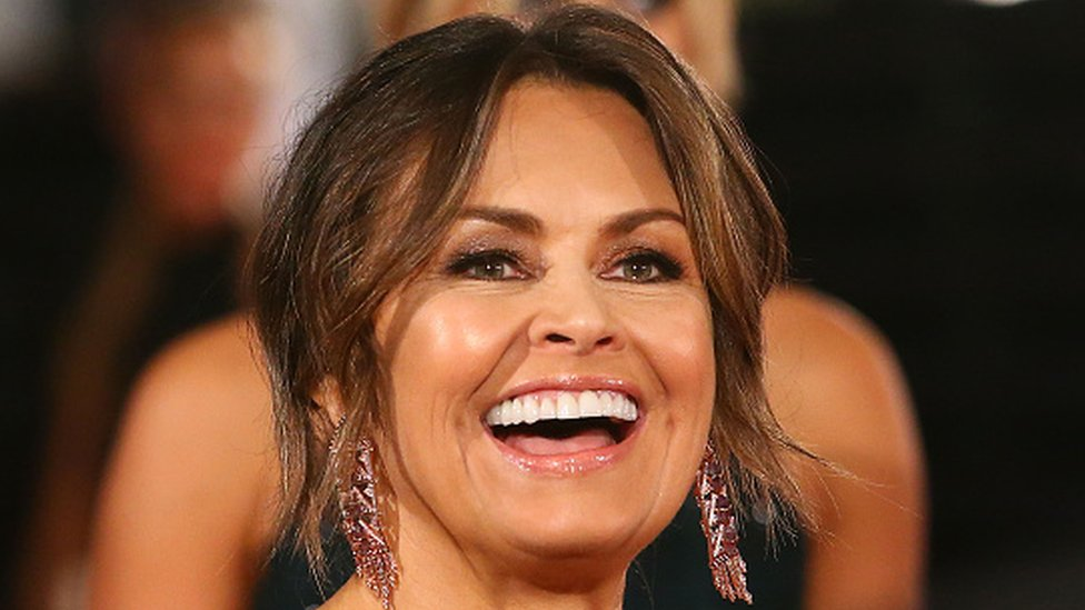 Lisa Wilkinson: Top Australian presenter quits in 'equal pay row'