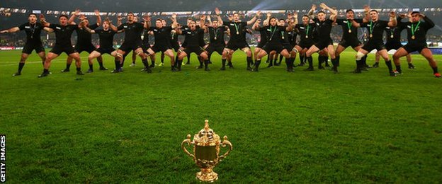 New Zealand honour their fans and the Webb Ellis Cup with a victory haka