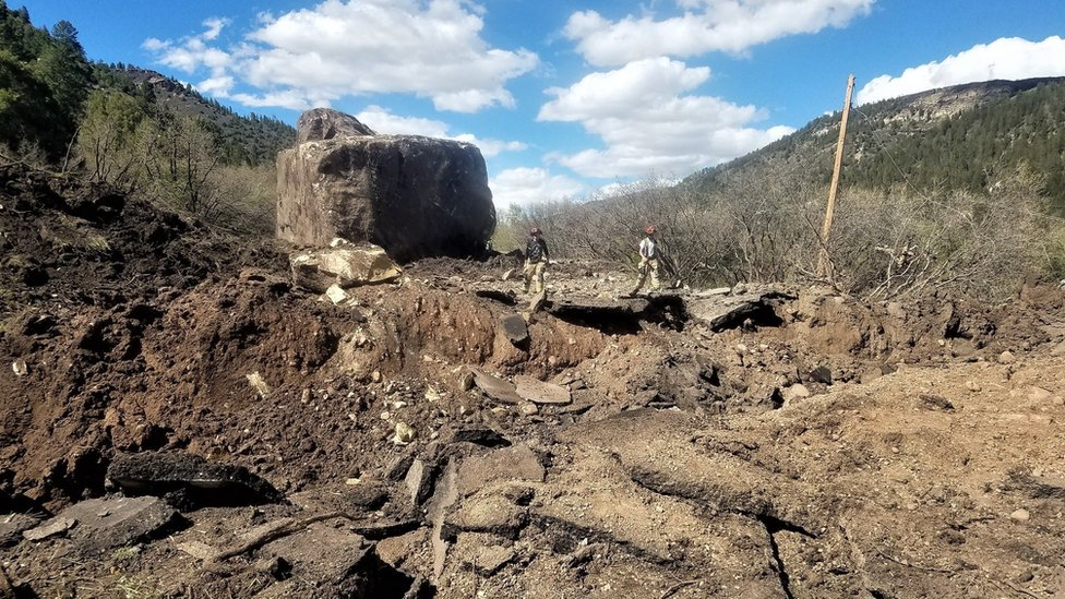 Colorado: Boulders 'the size of a building' hit US road