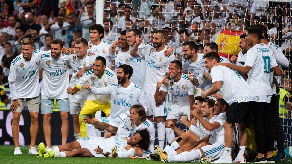 Real Madrid celebra su título en en la Supercopa de España.