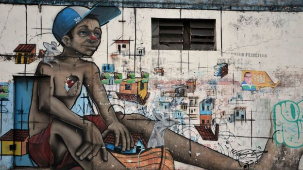 Hay cerca de 3.500 personas menores de 25 años viviendo en las calles de Salvador, según organizaciones no gubernamentales.