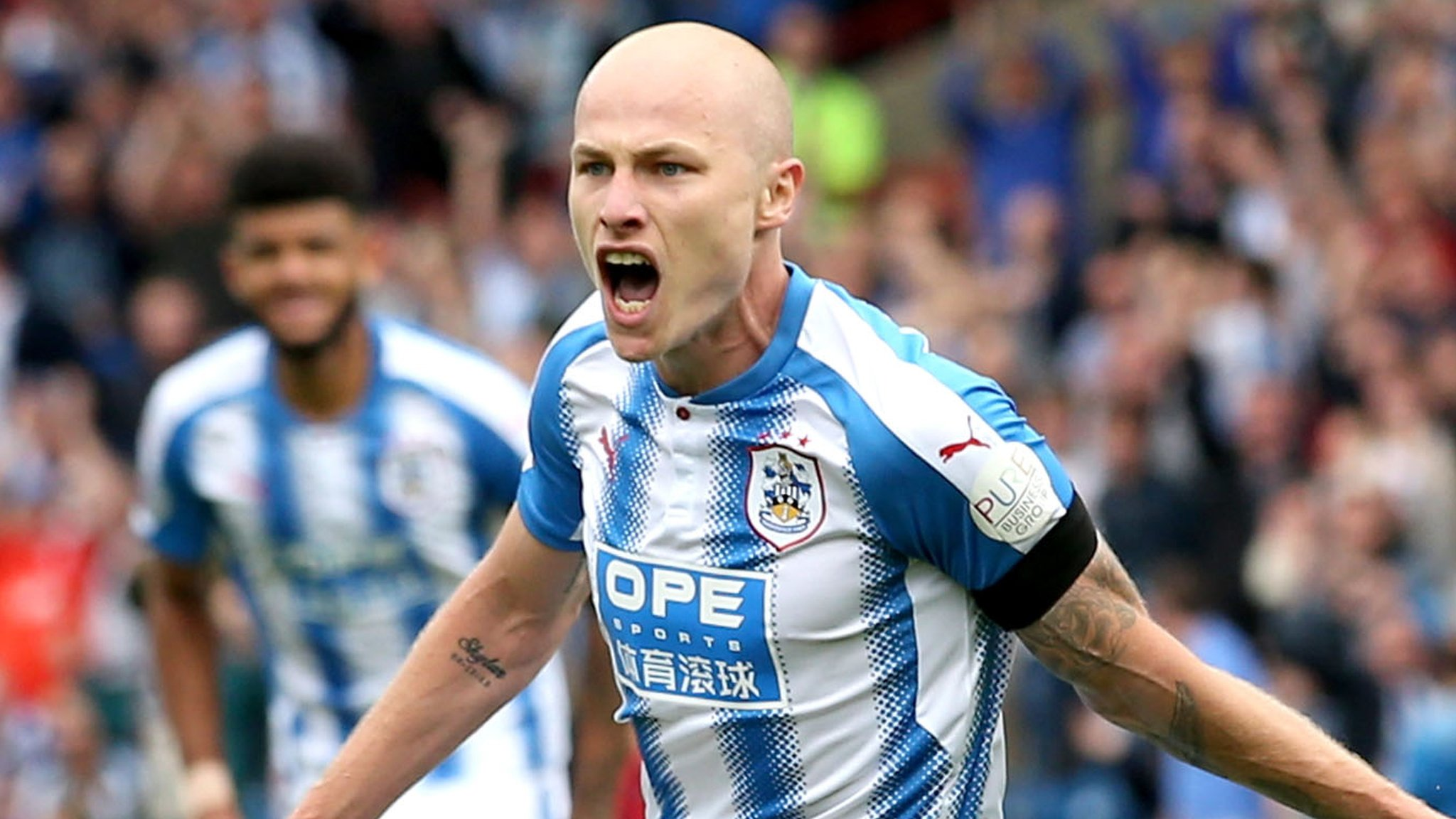 Huddersfield beat Newcastle to continue winning start