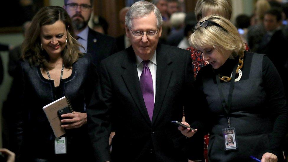 Chính phủ Mỹ mở cửa lại với dự luật chi tiêu tạm thời