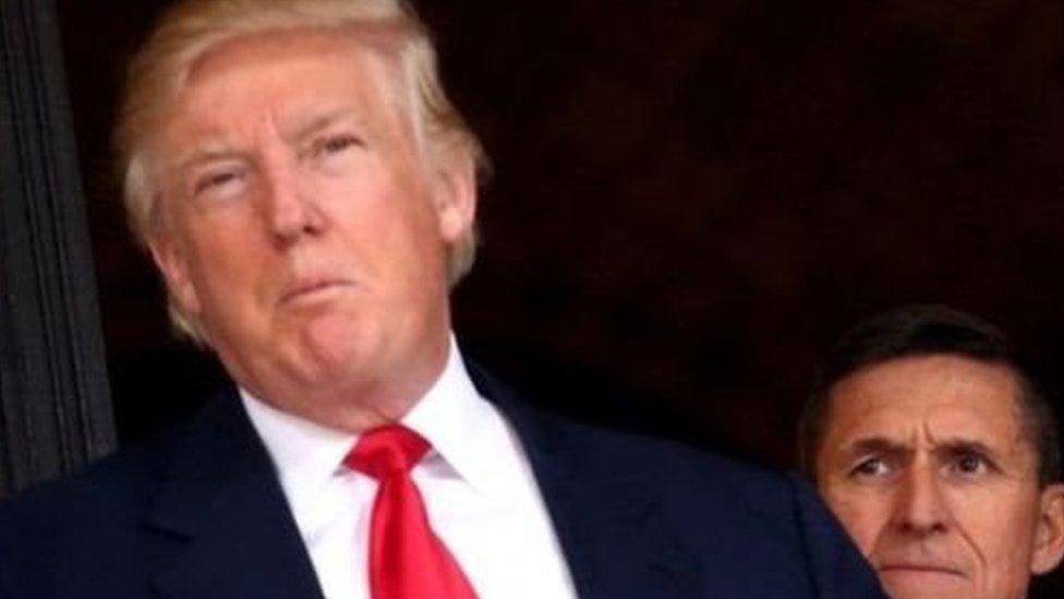 ترامب وخلفه فلين