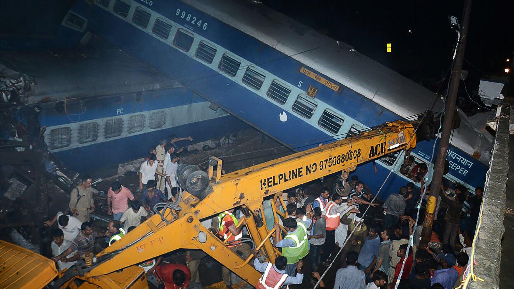 India train crash in Uttar Pradesh leaves 23 dead
