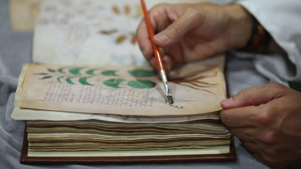 Proceso de creación de un libro por parte de la editorial Siloé.