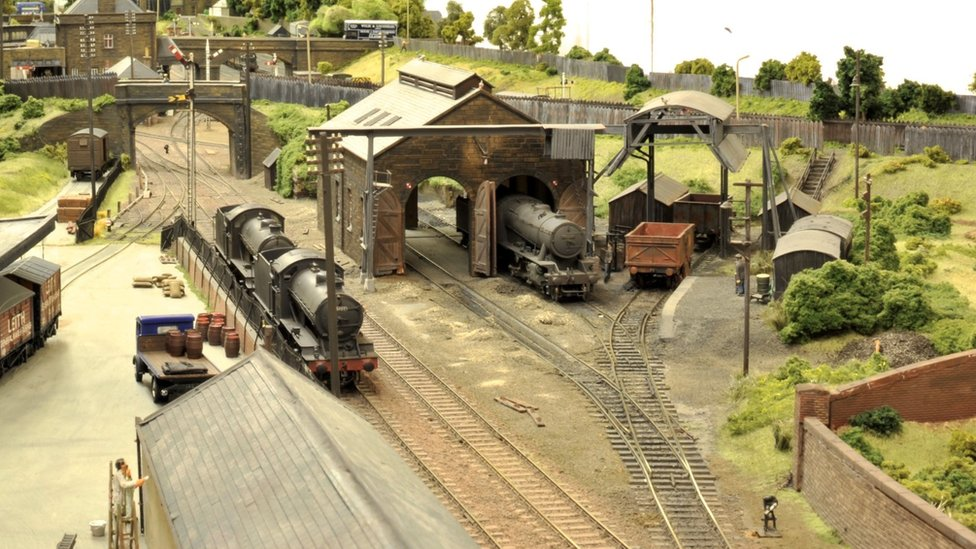 How To Build The Perfect Model Railway Bbc News