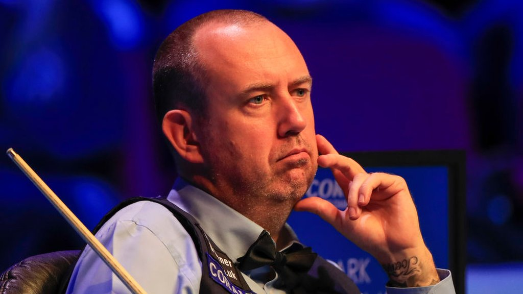 Mark Williams says World Snooker treatment of family 'pathetic'