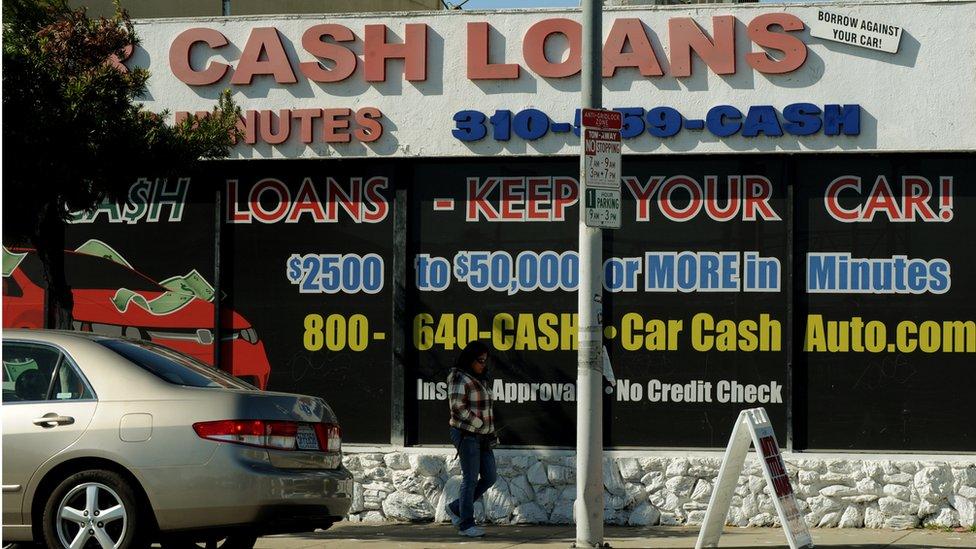 Los negocios que ofrecen préstamos rápidos a alto interés tomando como garantía un auto han proliferado en Estados Unidos.