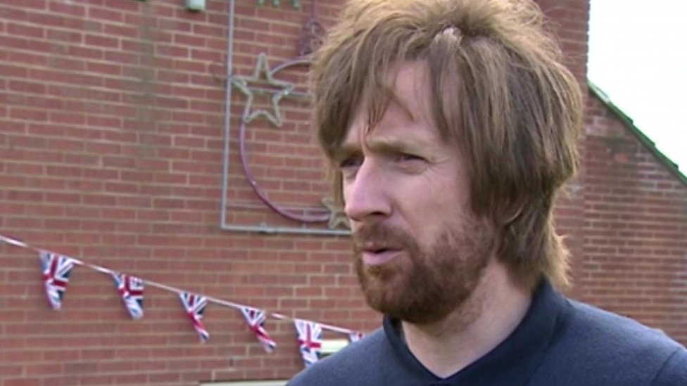 Tom Simpson memorial unveiled by Sir Bradley Wiggins