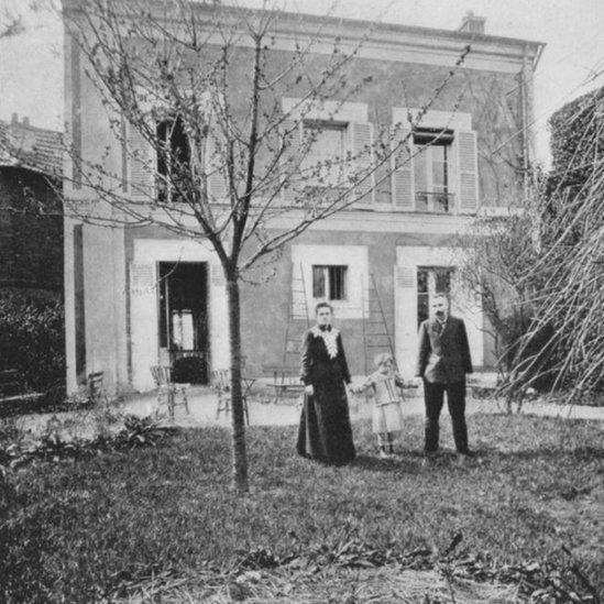 Pierre y Marie Curie con su hija Irene