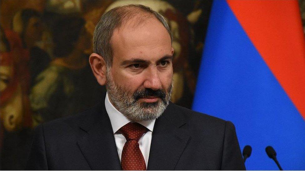 Rusiyalı ekspert: Qarabağda atəşkəs tərəflər arasında balansın nəticəsidir - BBC News Azərbaycanca