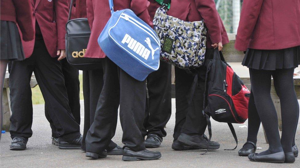 School bomb threats: Hoax sent to hundreds of schools