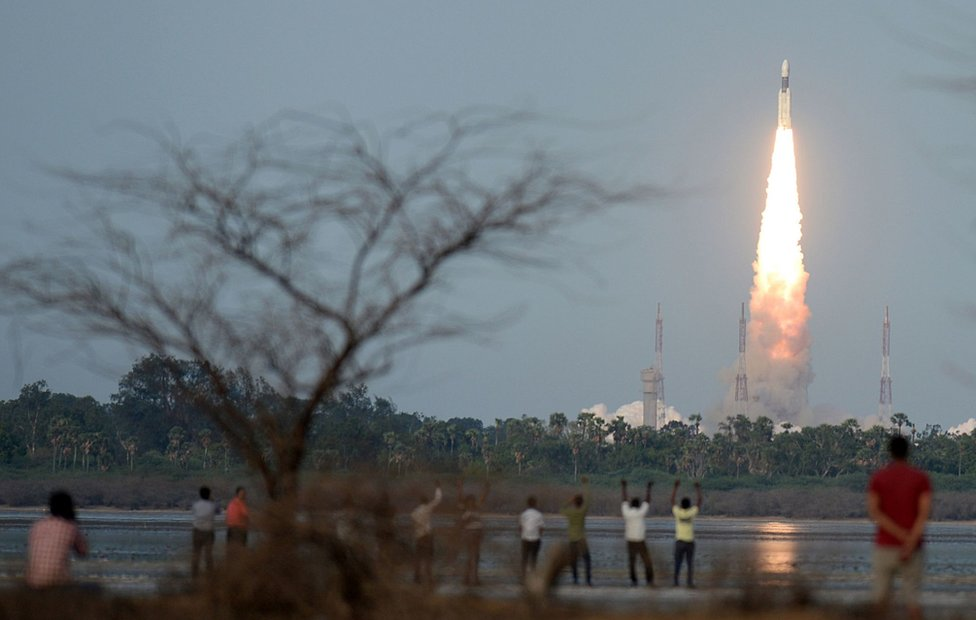 Este lunes despegó con éxito GSLV Mark III, el cohete más pesado fabricado hasta el momento por India.