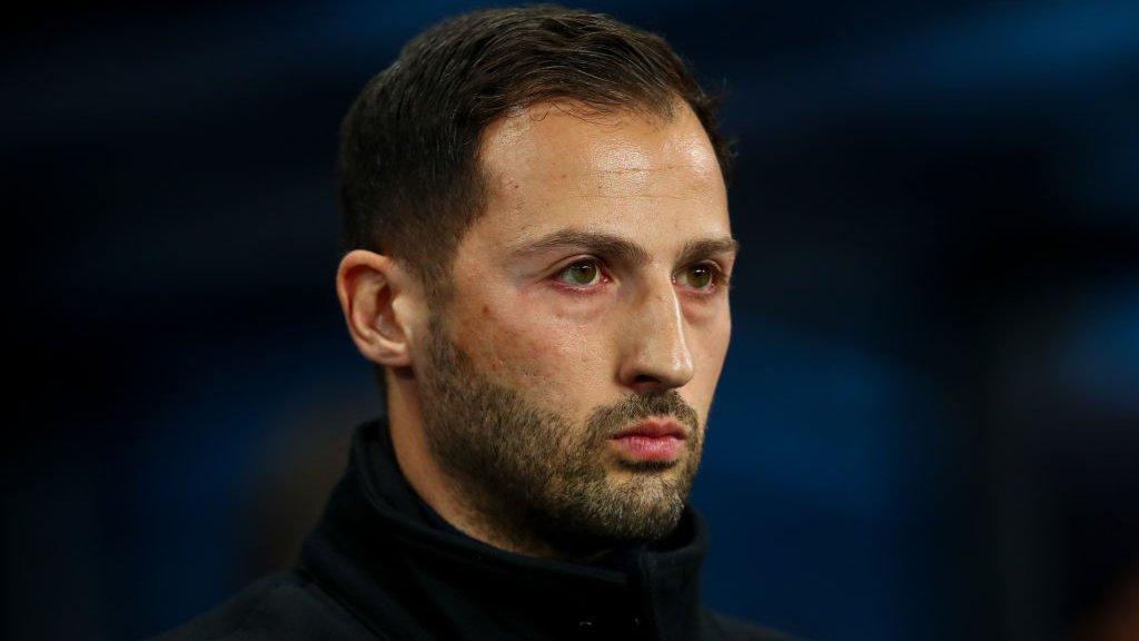 Schalke sack manager after Manchester City thrashing