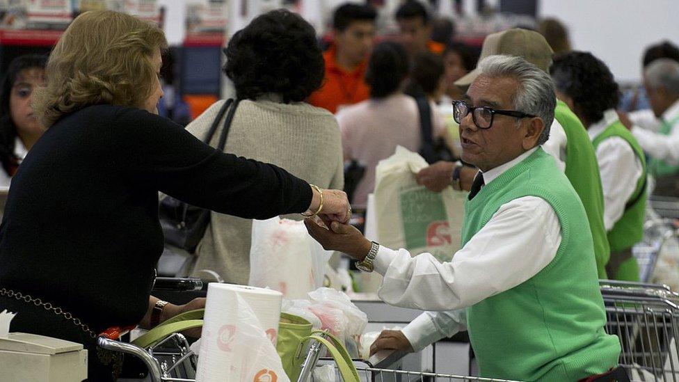 """En México, la """"reduflación"""" es una tendencia que afecta a los productos de alto consumo."""