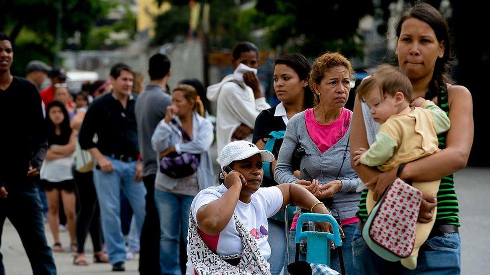 El FMI proyecta una inflación de 1.133% para este año en Venezuela.