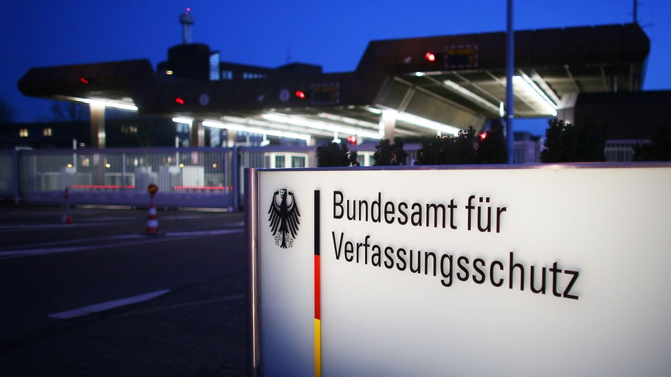 Germany extremism: Intelligence agency employee arrested over Islamist comments