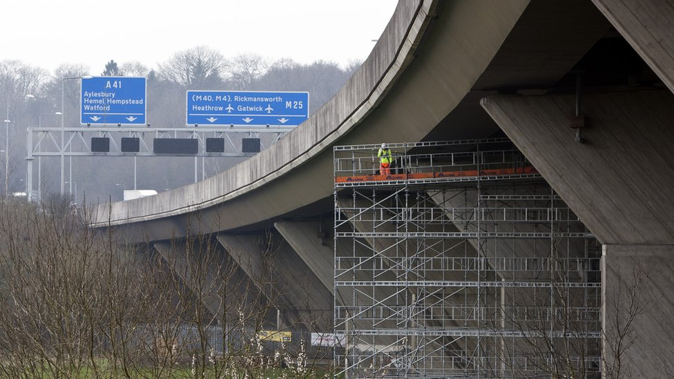 M25 viaduct at Kings Langley