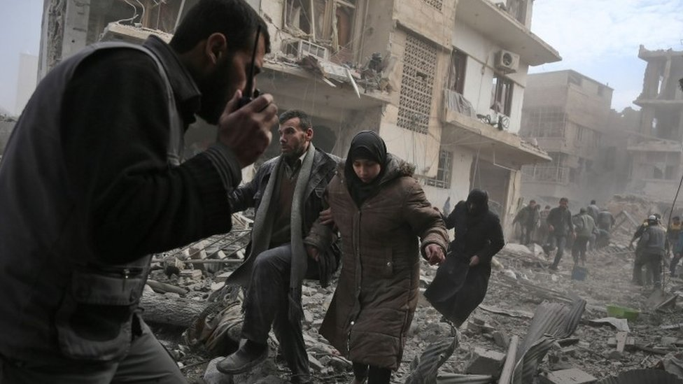 Syria war: '250 killed' in Eastern Ghouta bombardment
