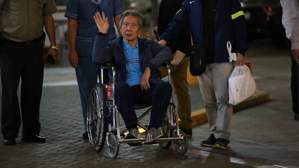 FOTOS | Alberto Fujimori abandonó clínica de Pueblo Libre
