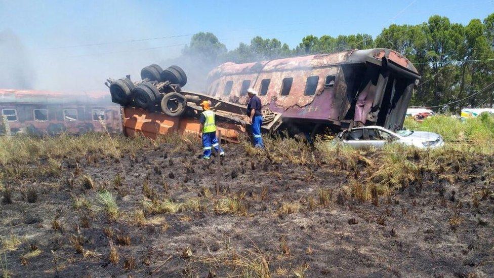У ПАР зіштовхнувся потяг з вантажівкою: четверо загиблих