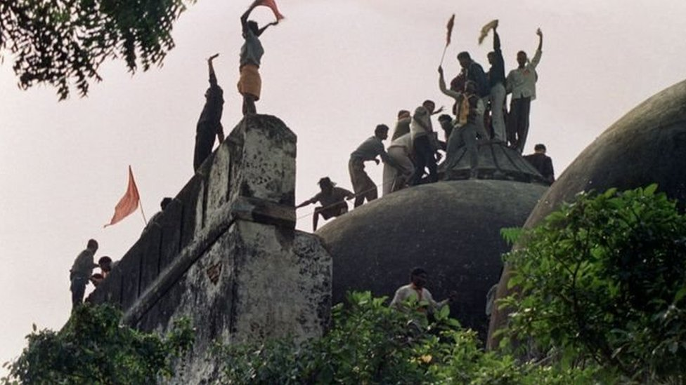 بابری مسجد، رام مندر تنازع: فیصلہ عدالت نہیں ثالث کریں گے