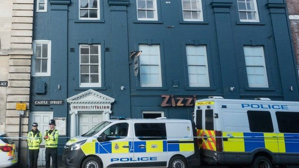 الشرطة مازالت تطوق المنطقة ولا تزال تحقق لمعرفة مصدر الغاز المستخدم